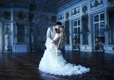 couple_dance_wedding_dress_white_love_sweet_2048x1330